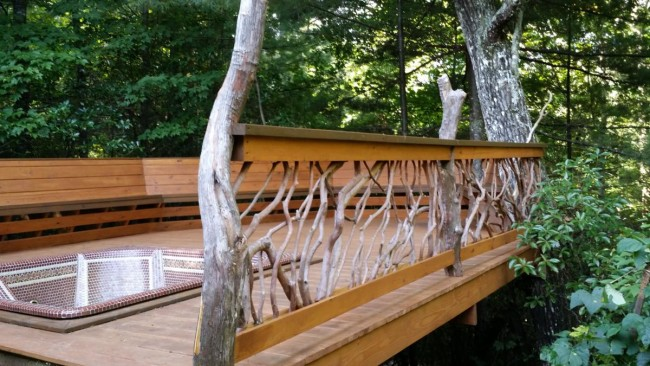 handrail-hot-tub=deck